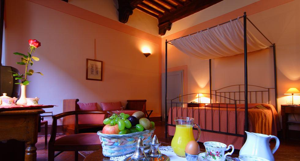 amazing-hotel-room-san-gimignano-tuscany