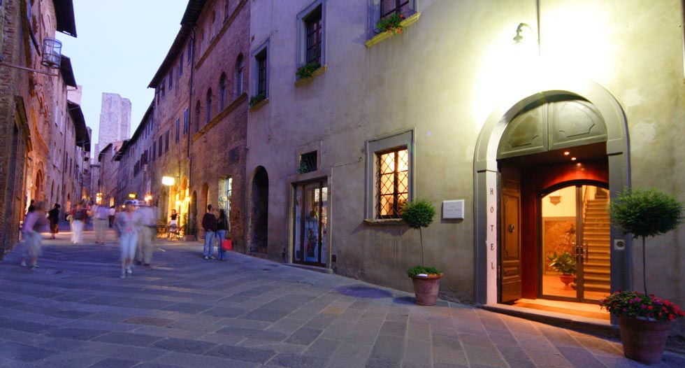 how to get to hotel l antico pozzo where is sangimignano Foto