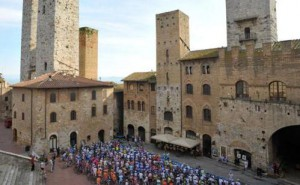 Granfondo Vernaccia panoramica 300x185 Environment, sports, food and wine, along with the bike race Granfondo Vernaccia di San Gimignano!