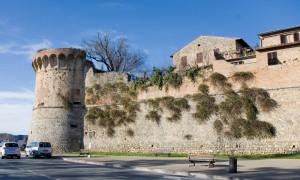 mura storiche san gimignano 300x180 Churches in San Gimignano