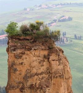 volterra le balze 270x300 Volterra: a tuscan jewel near San Gimignano
